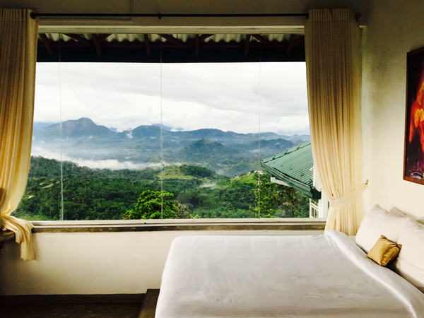 honeymoon suite in kandy hotels
