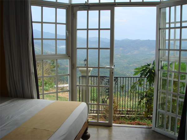 Kandy sri lanka luxury hotel rooms for german tourist