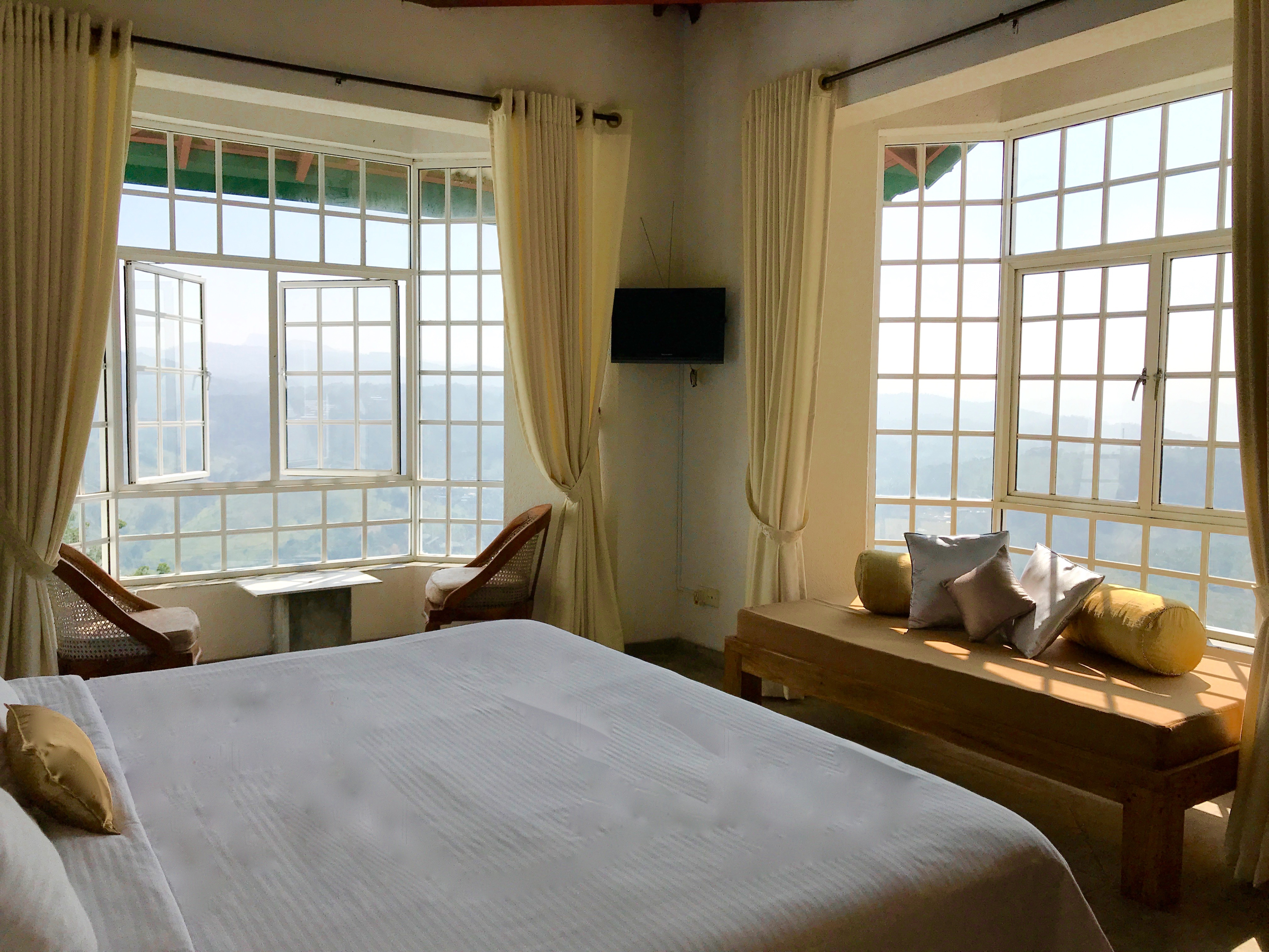 LUXURY ROOMS IN KANDY WITH A VIEW