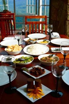 Meals in kandy hotel club lespri